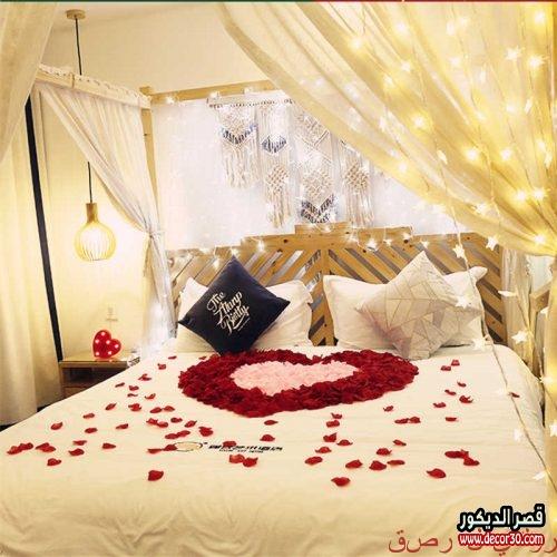 تزيين غرف النوم بالورد