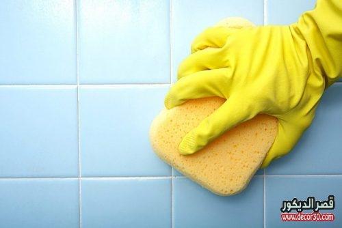 تنظيف الحمام وترتيبه