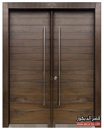 باب كبير لغرفة معيشه