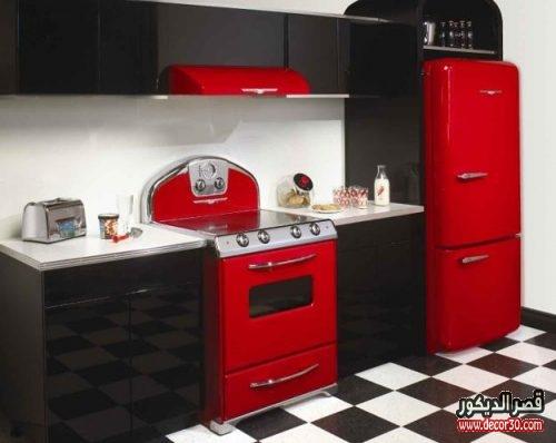 مطابخ الوميتال اسود في احمر