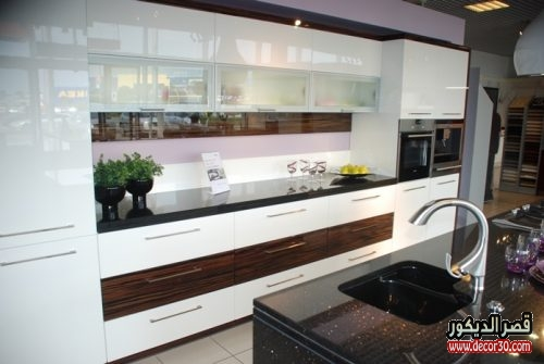 white-acrylic kitchens