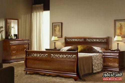 غرف نوم خشب بني