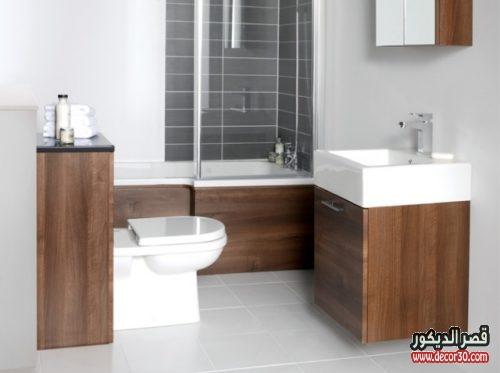 حمامات بتصميم مربع صغير