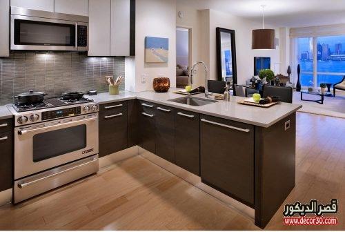 مطابخ امريكيه مفتوحة على غرفة المعيشة صغيرة